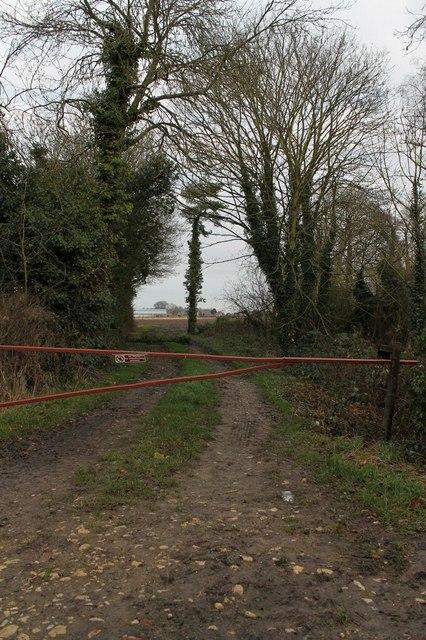 Gated track off Skeldyke Road