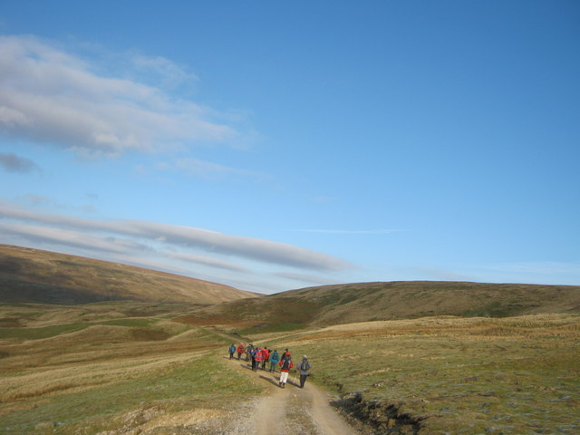 Bridleway north along Hill Side above Langthwaite