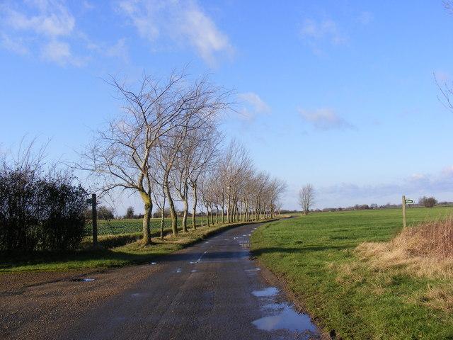 Storeys Lane & footpaths to Stradbroke Road & B1116 Laxfield Road