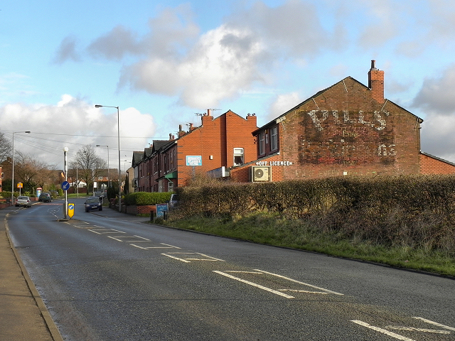 Ringley Road West, Outwood