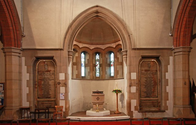 St George, Hertford Road, Freezy Water - Baptistery