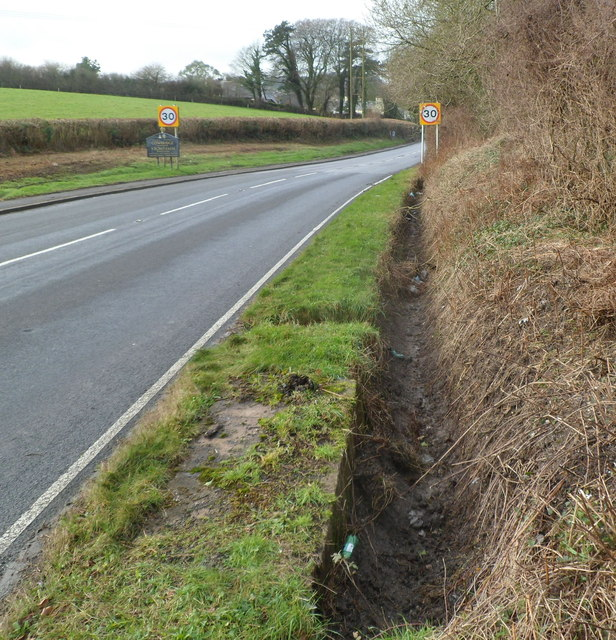Ditch at the northern edge of the A4222 near Cowbridge