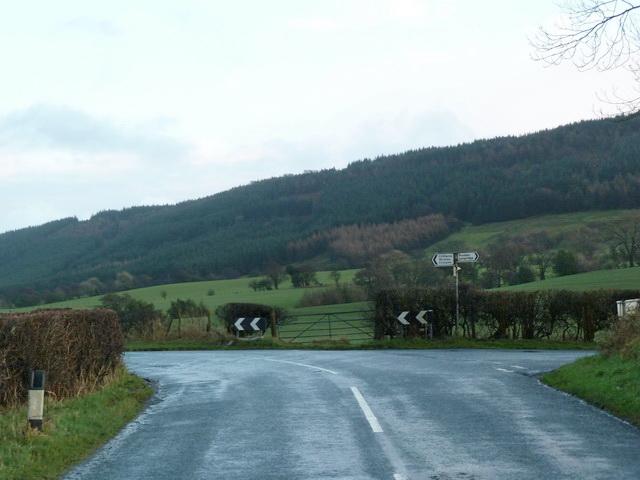 Road junction northeast of Moorhead House Farm