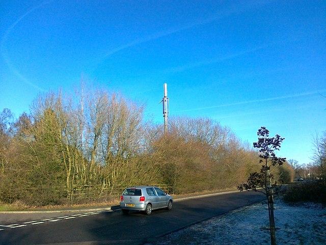 Telecommunications mast, Linthurst Road