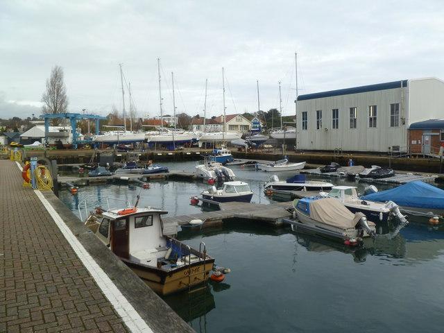 Lilliput, boatyard