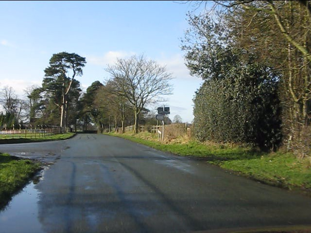 Lane junction, Kermincham Heath