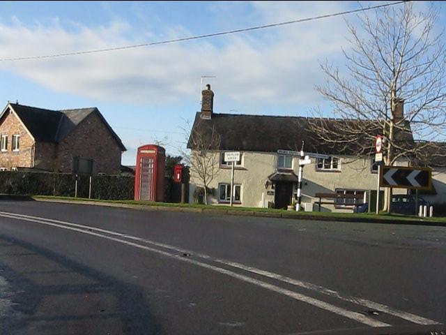 Cottage at the corner, Twemlow Green