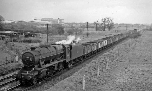 Westbound coal train at Baguley, Cheshire Lines