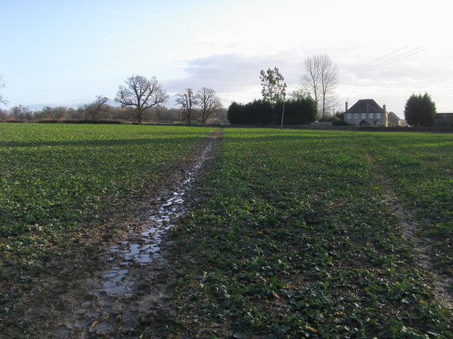 Footpath nearing Bolton's Lane