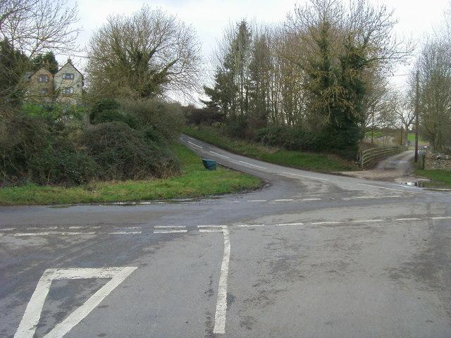 Junction below Ashford Mill Cottages