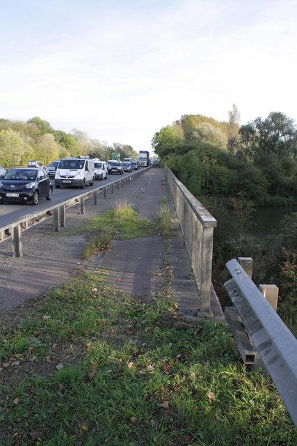 A423 bridge over River Thames