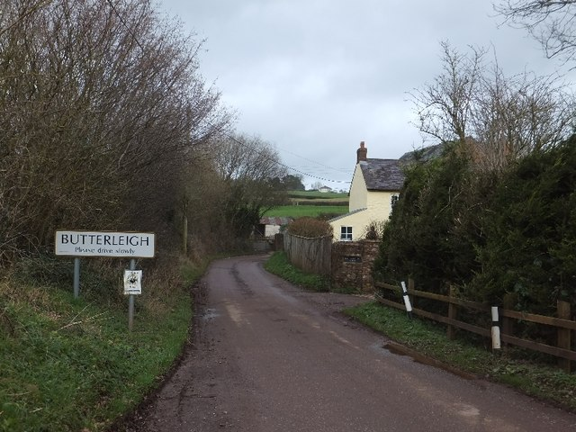 Entrance to Butterleigh on Bickleigh Road