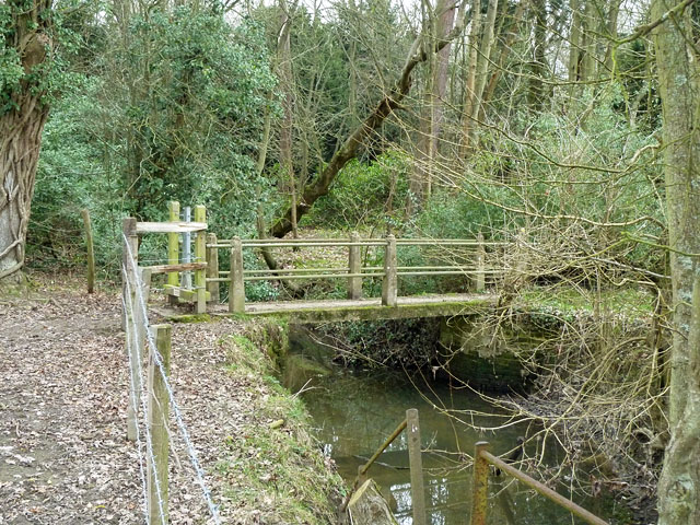 Footbridge on footpath SR414