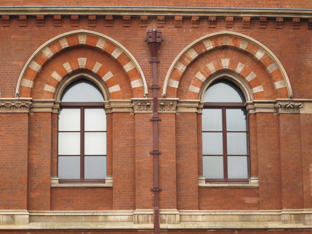 The east side of (the old part of) St. Pancras Station - detail
