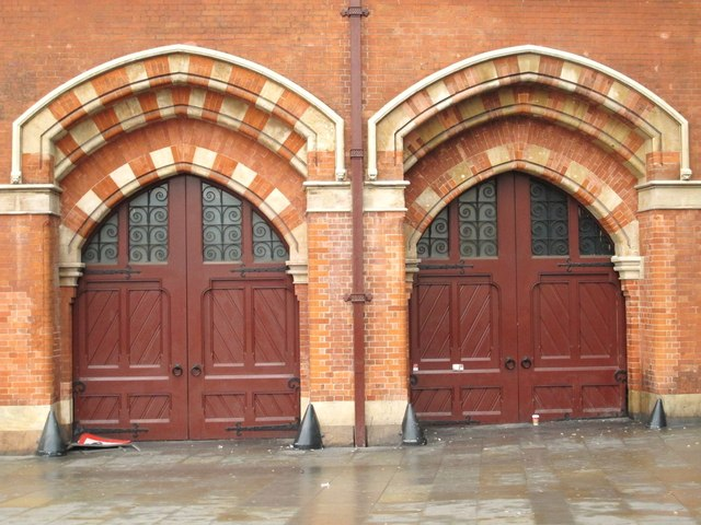 The east side of (the old part of) St. Pancras Station - detail (2)