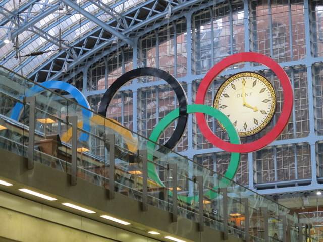 Olympic rings and clock, St. Pancras Station