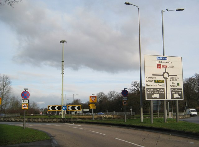 Stevenage: A602 Hitchin Road at the A1072 roundabout