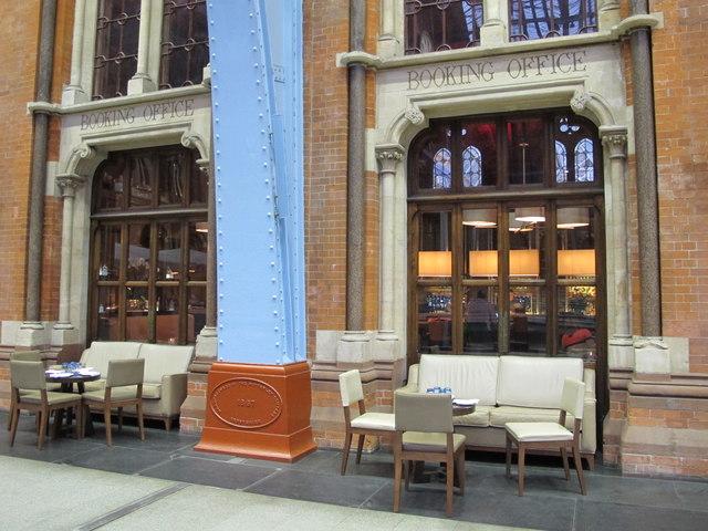 St. Pancras Renaissance London Hotel, Euston Road, NW1 - the Booking Office Bar (2)