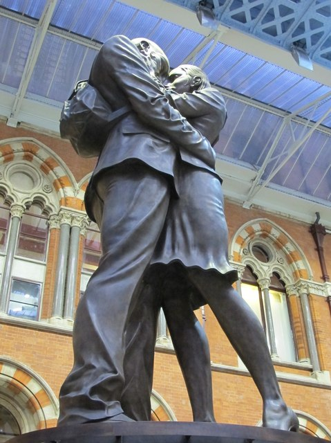 """""""The Meeting Place"""", St. Pancras Station"""