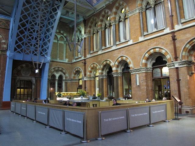 The Betjeman Arms, St. Pancras Station