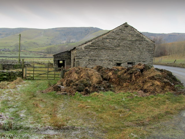 Stone Barn beside Arcow Quarry Access Road