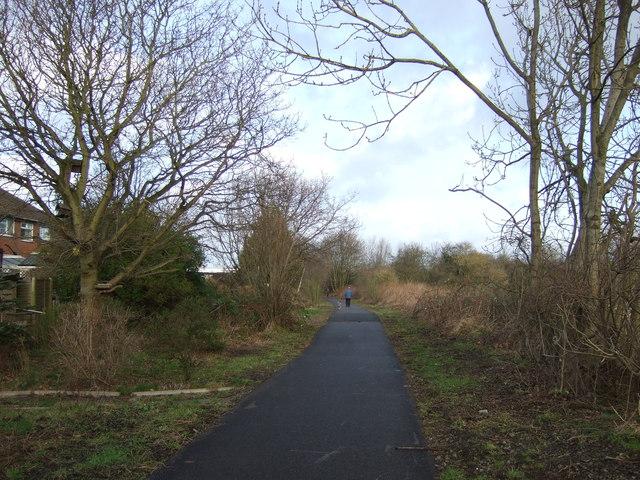 Cycle track heading north, Bilton