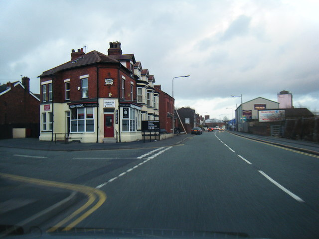 Old Liverpool Road/Wellfield Street junction