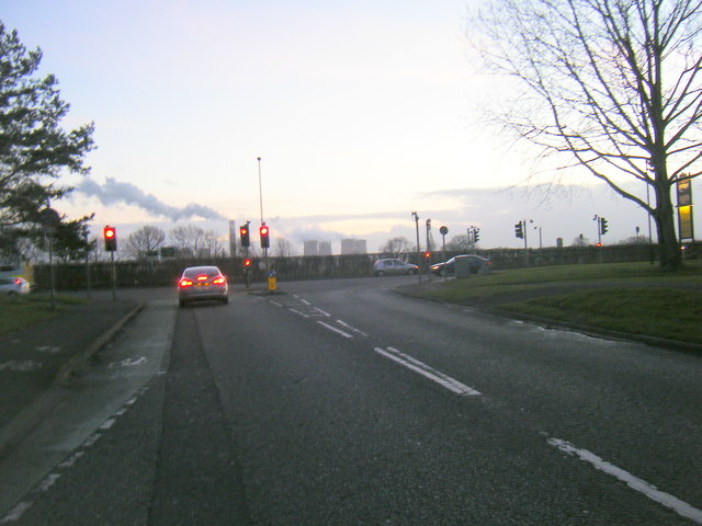 Lingley Green Avenue approaching the A57