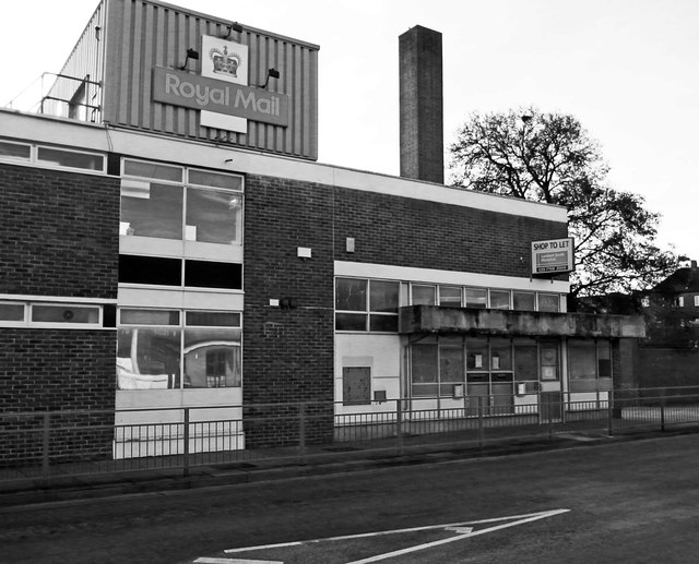Empty post office building, Waltham Cross