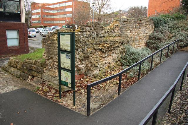Colonia wall