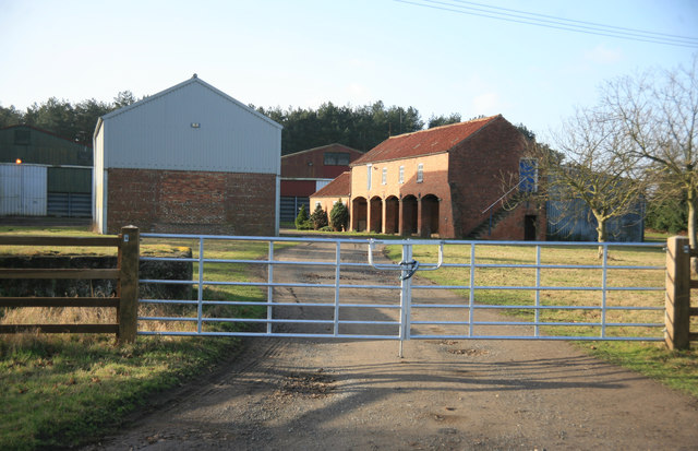 Bunkers Hill farm buildings