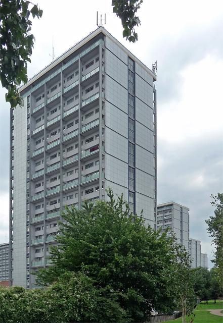 Warwick Estate, Woodchester Square