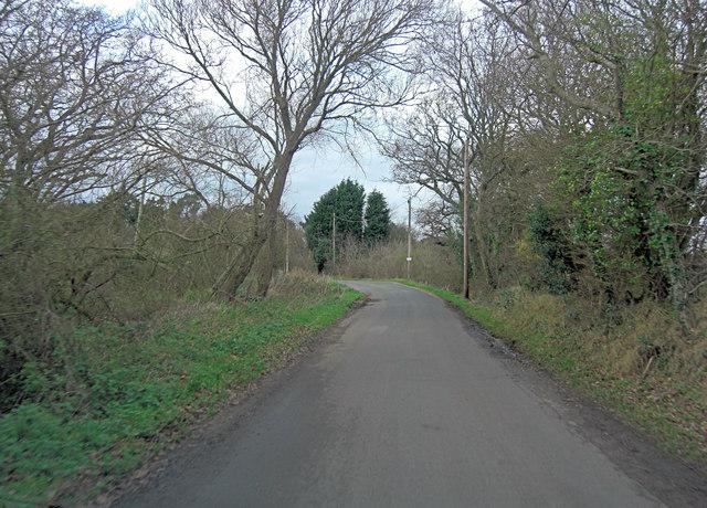 Lower Pennington Lane approaches Lower Farm