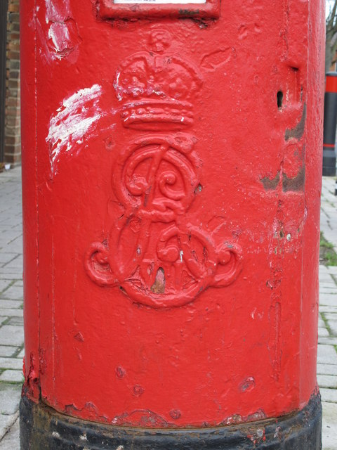 Edward VII postbox, St. John's Avenue / Drayton Road, NW10 - royal cipher