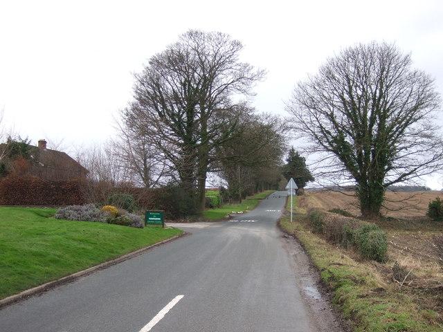 Thwaites Lane heading west towards Markington