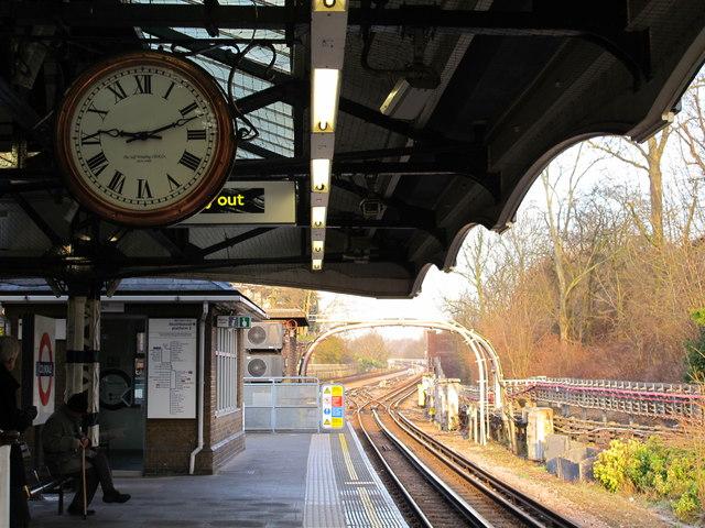 Colindale tube station platform and clock