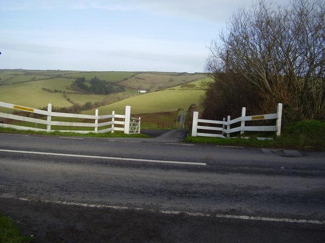 Track way to Longlands Farm