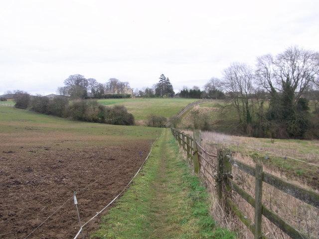 Field-edge path from opposite the school to Nash's Lane,  Ebrington