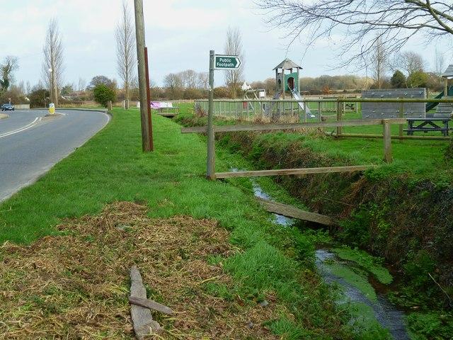Footpath leaves road at Hunston