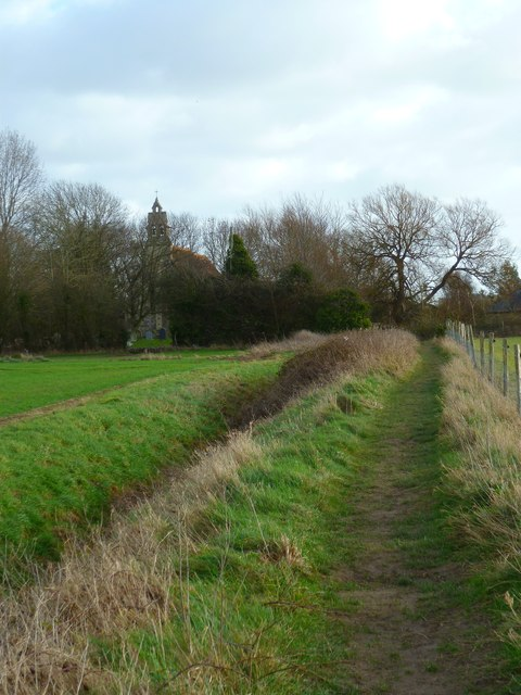 Approaching the church at Hunston
