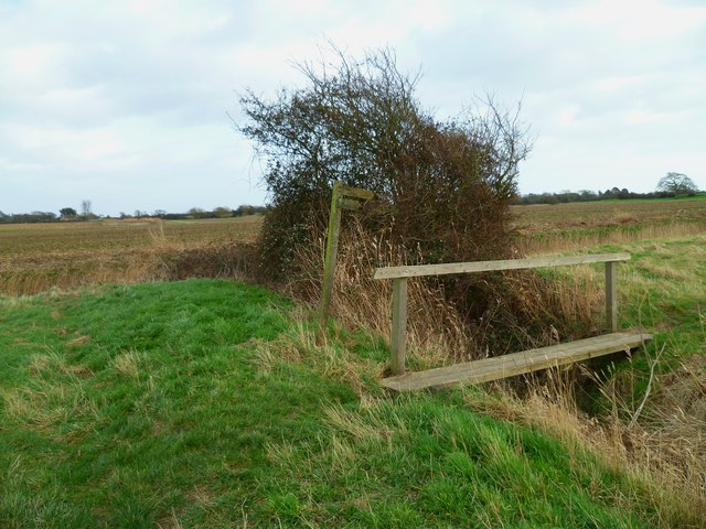 Footbridge south of Chichester Golf Course