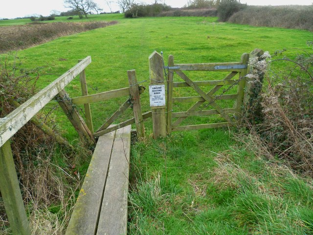 Gate on footpath south of Chichester Golf Course