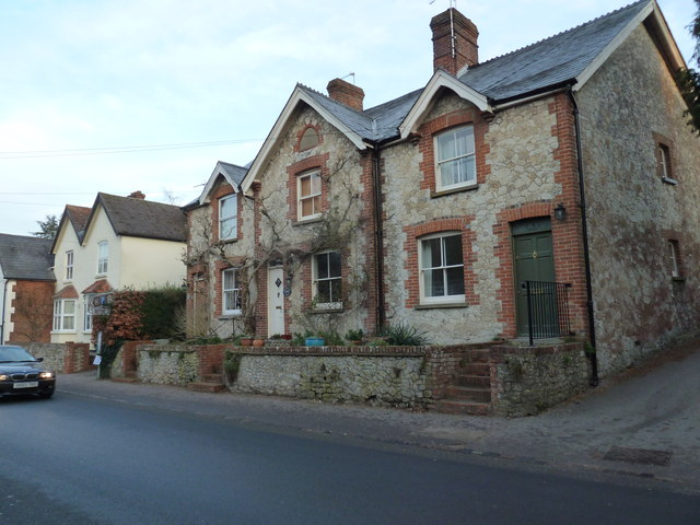 Cottages on the B3006 at Selborne