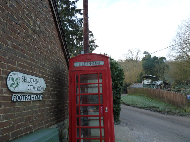 Phone box at the bottom of Selborne Common