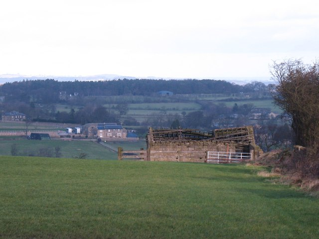 Ruined barn near High Moor Farm
