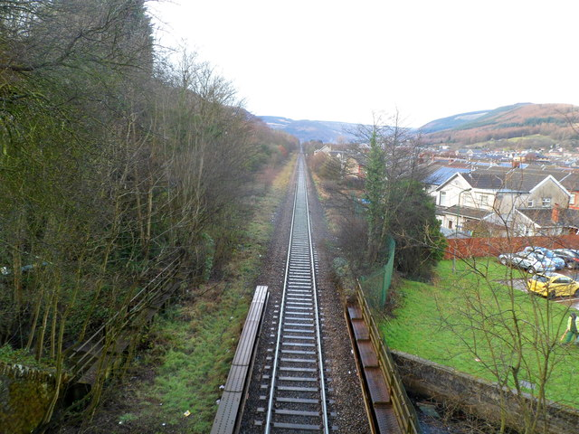 Rhondda Line heads away from Treorchy towards Ynyswen