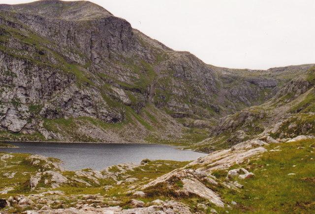 Loch a' Choire Ghranda, Beinn Dearg