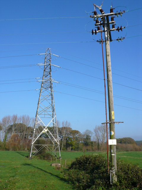 Power lines by the River Stour