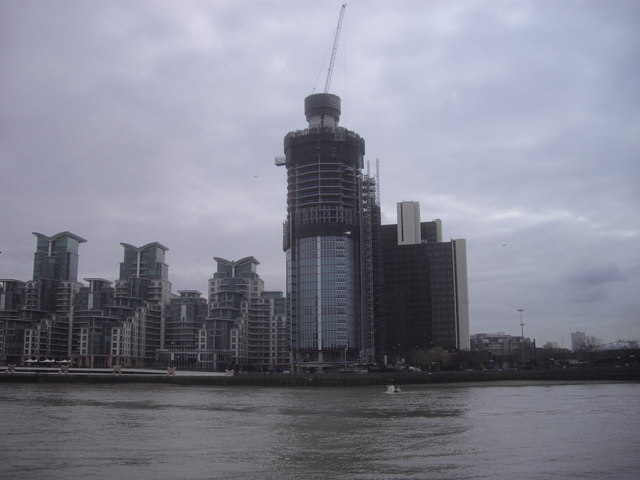 One St George Wharf Tower under construction
