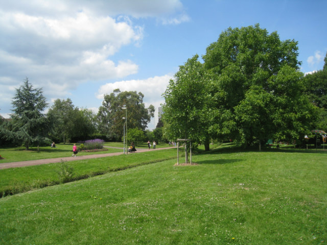 Path towards town centre